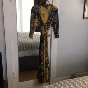Floral faux wrap dress size 3x with kimono styling